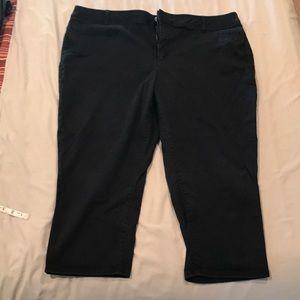 Lane Bryant black capris size 26